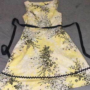 Women's yellow dress